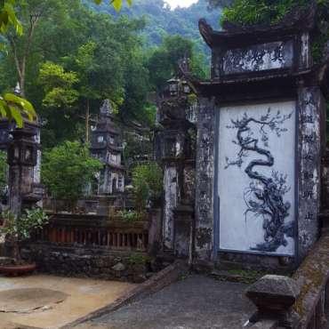 tempio dei monaci sulla montagna dei profumi